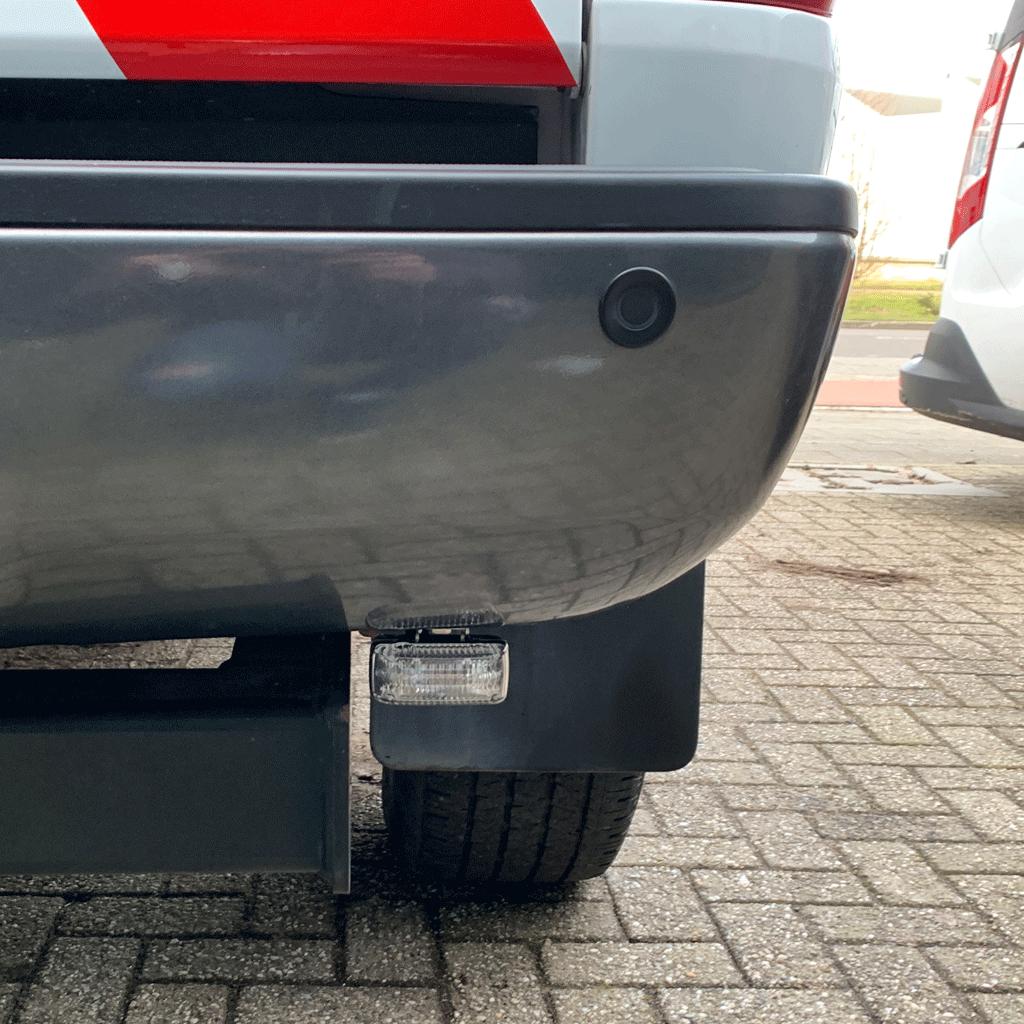 Antares LED flitser onder bumper voertuig
