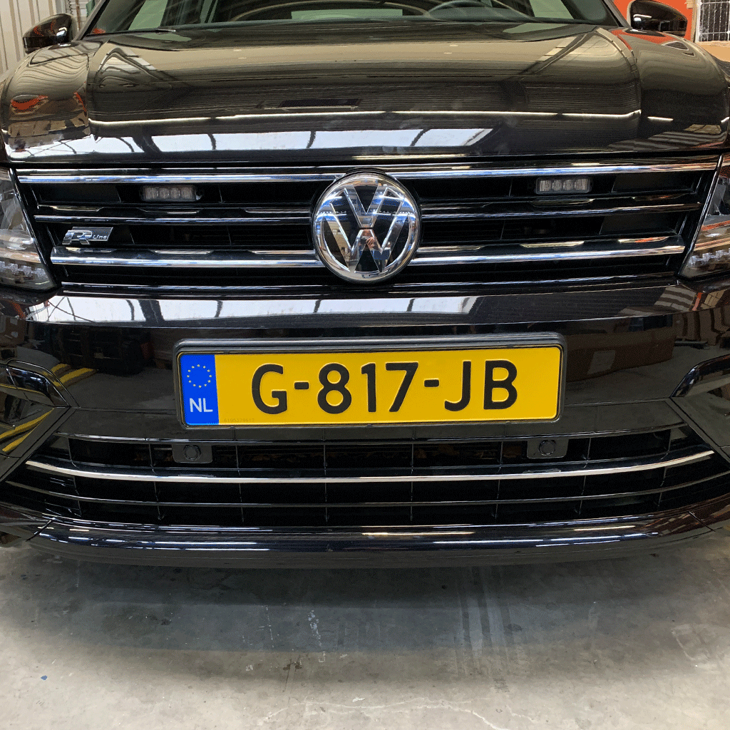 Slimline LED flitser in Volkswagen Tiguan grille